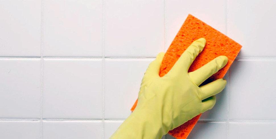 Как очистить плитку в ванной от известкового налета
